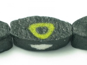 black/olive triangle