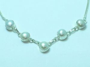 Sterling Silver Fresh Water Pearl necklace 17""